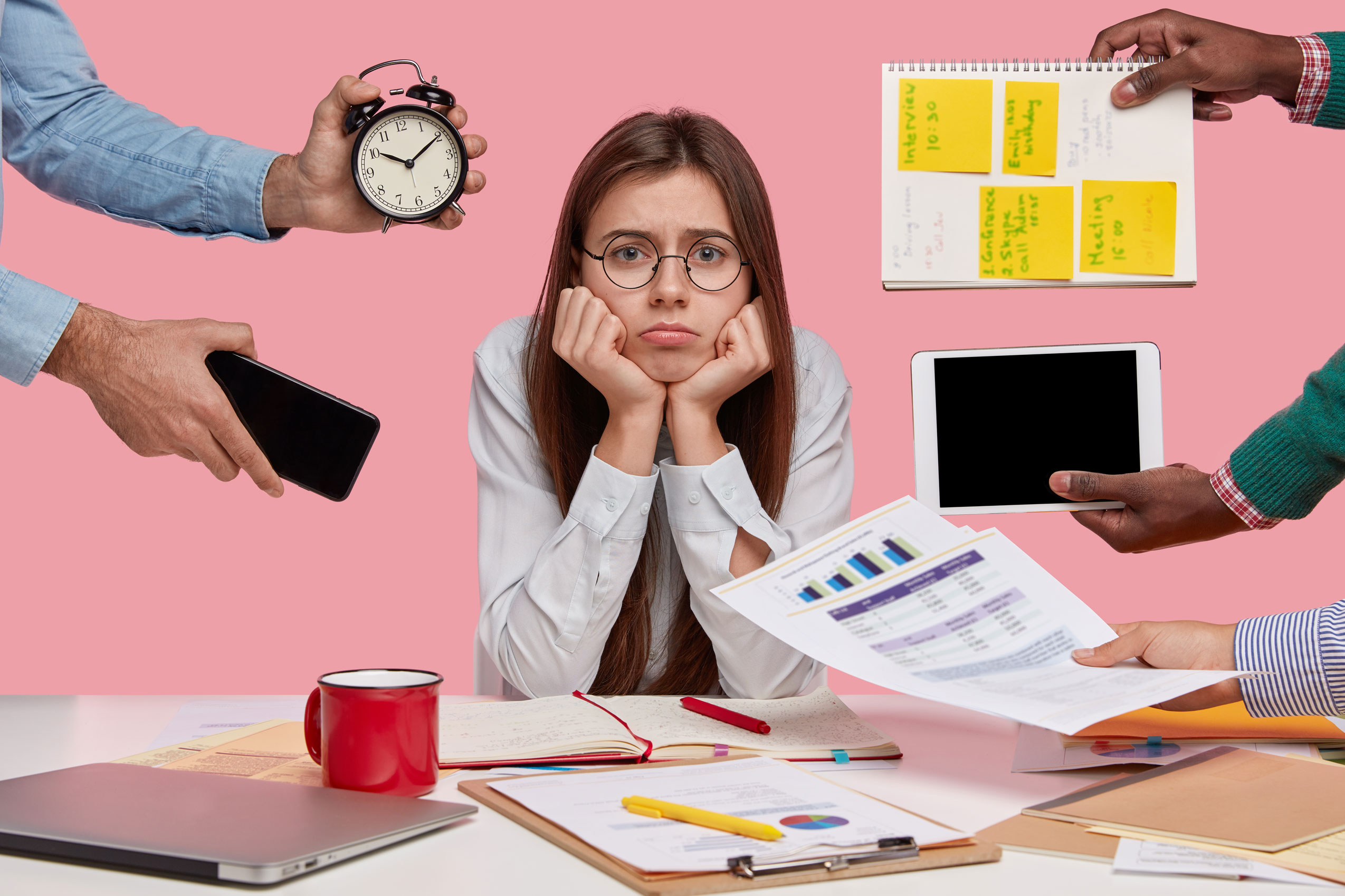 stressed woman office worker a lot of things to do
